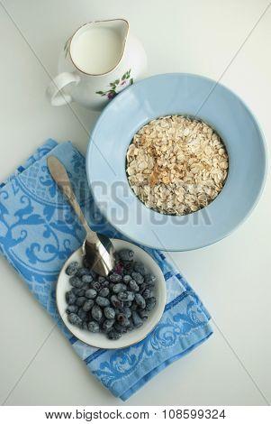 Breakfast with honeysuckle berries