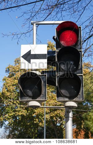 City Traffic Light With Side Section  Shows Red