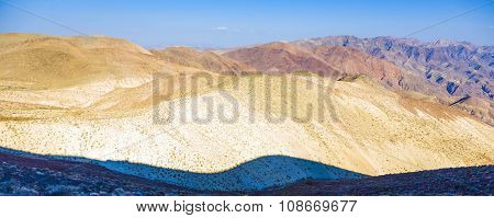 Wonderful Scenic Point Dantes View In The Mountains Of Death Valley