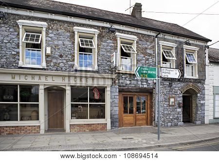 Rural Irish pubs and bars.
