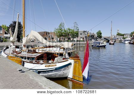 Netherlands - Lemmer - Media August 2015: Pleasure Yachts And Sailboats In The Port Of Lemmer.