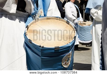 Drums player in group