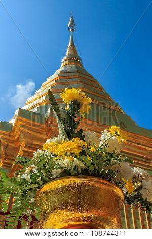 Worship Phra Thad Doi Suthep
