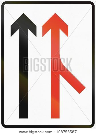 Norwegian Lane Information Road Sign - Merge From Right