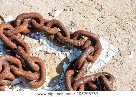 Heavy Rusty Chain