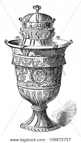 Vase of Rouen, vintage engraved illustration. Industrial encyclopedia E.-O. Lami - 1875.