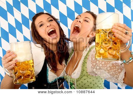 bavarian girls with beer
