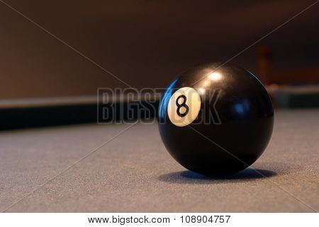 ball 8 of snooker pool table game