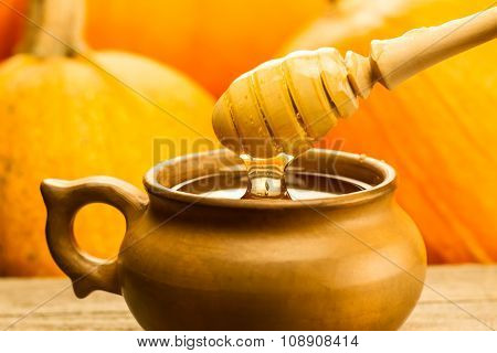 Fresh Honey And Drizzler On A Wooden Background. Autumn Style, Honeycomb, Pumpkin, Thanksgiving