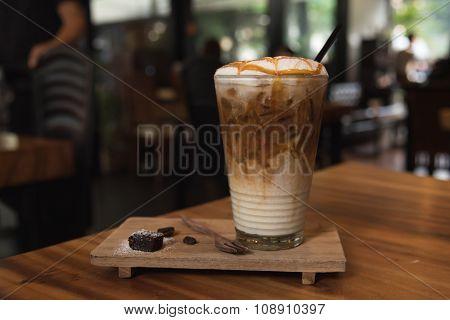 Ice Coffee Caramel Macchiato
