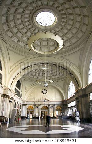 France Railway Station Hall And Vault, Barcelona