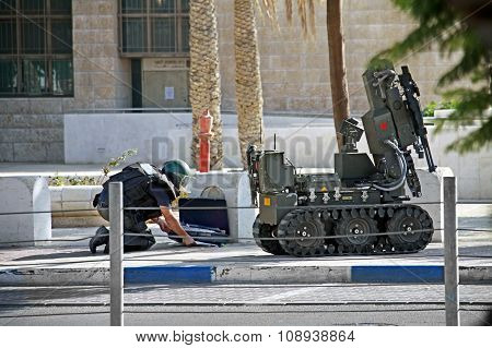 Mine Clearance Suspicious Object In Beer Sheva