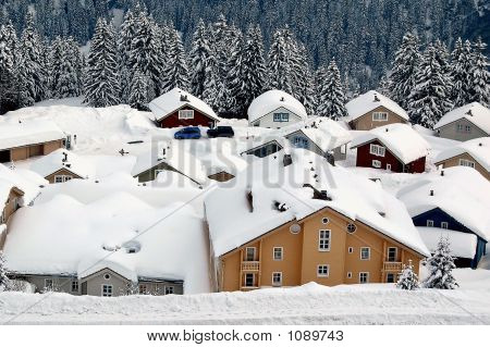 Norwegian Style Chalets In Flaine