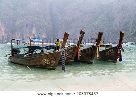 Phi Phi Lee Island, Thailand - Circa September 2015: Boats On Maya Beach, Phi Phi Lee Island, Andama