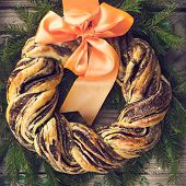 Постер, плакат: Saffron And Cinnamon Bread Wreath Toned