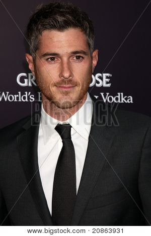 LOS ANGELES - JUN 11:  Dave Annable arrives at the 10th Chrysalis Butterfly Ball at Private Home on June 11, 2011 in Brentwood, CA