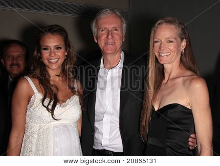 LOS ANGELES - JUN 09:  Jessica Alba, James Cameron & Suzy Amis arrives to the Covenant House 2011 Gala  on June 09,2011 in Los Angeles, CA