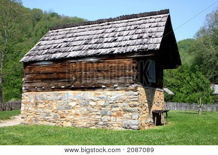 Colonial Barn In National Park