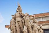 foto of zedong  - Monument in front of Mao - JPG