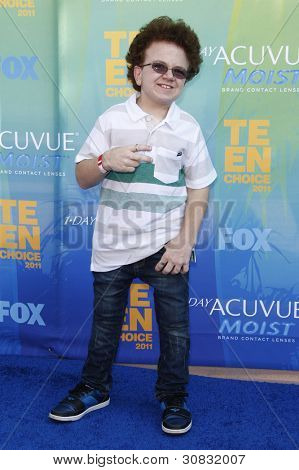 LOS ANGELES - AUG 7: Keenan Cahill arrives at the 2011 Teen Choice Awards held at Gibson Amphitheatre on August 7, 2011 in Los Angeles, California