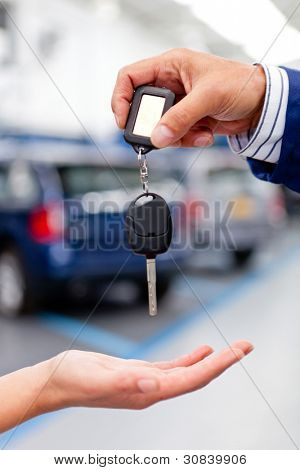 Handling keys of a car at the garage or dealer