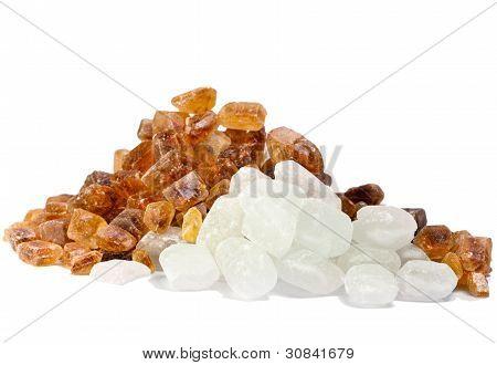 azúcar de caña no refinada y azúcar blanco