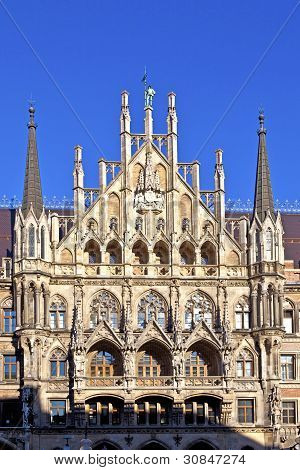 Fassade des Münchener Rathaus