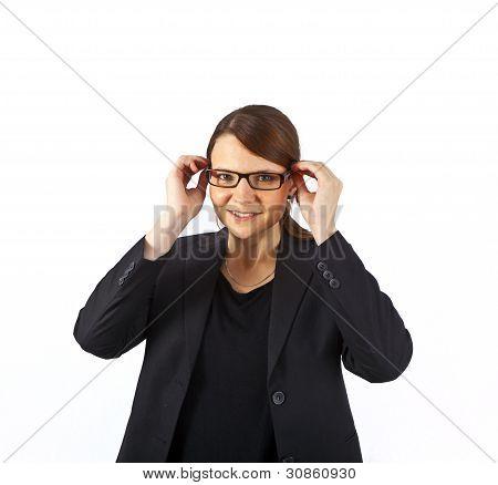 Business-Frau lächelnd und sah Ernst