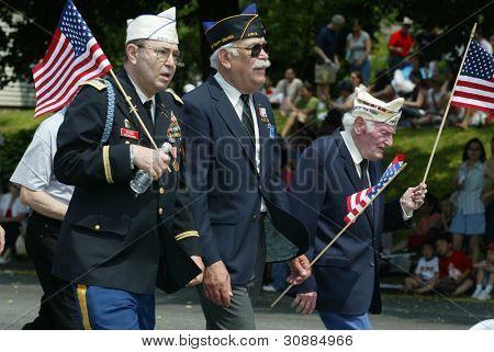 NOVA YORK - 29 de maio: Veteranos participarem do desfile de Memorial Day de pescoço/Douglaston pouco 29 de maio, 2