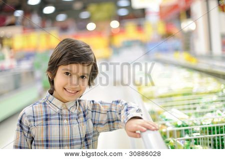 Kid in a grocery store