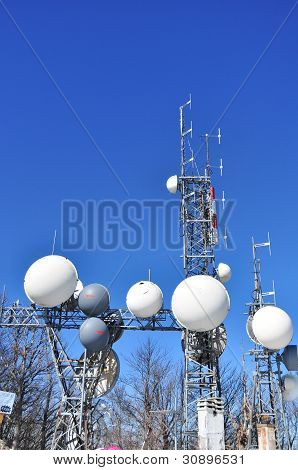 Antennas for telecommunications