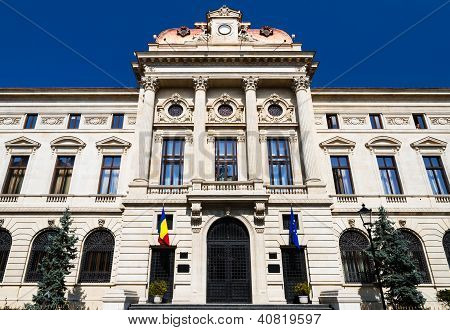Banco Nacional de fachada de edificio de Rumania, Bucarest, Rumania.
