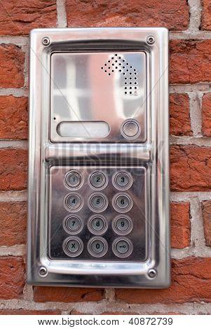 metal on-door speakerphone