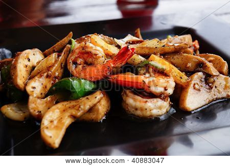 Shrimp Puff With Black Pepper