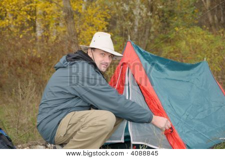 Man ein Zelt einrichten