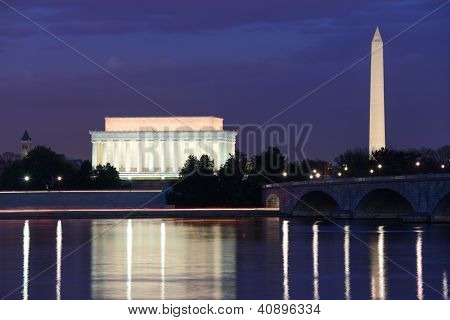 Washington DC skyline view with Lincoln Memorial, Washington Monument and Memorial Bridge on Potomac River at night
