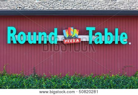 Sacramento, Usa - September 13: Round Table Pizza Site On September 13, 2013 In Sacramento, Californ