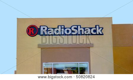 Sacramento, Usa - September 13: Radioshack Store On September 13, 2013 In Sacramento, California.