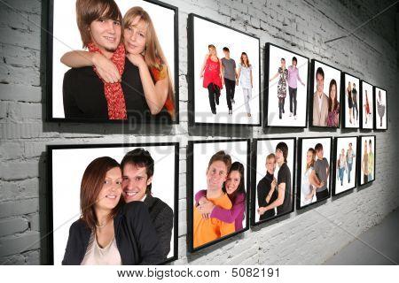 zwei Zeilen Frames mit Menschen auf Backstein weiße Wand collage