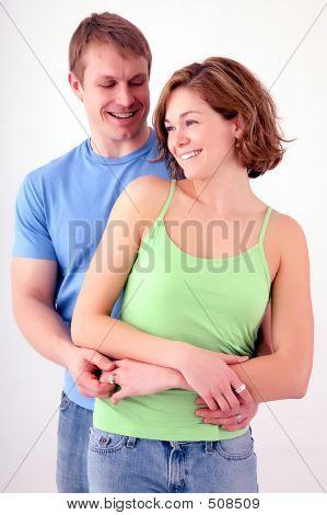 Joven bonita pareja feliz