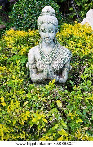 Statue Hello thai style.