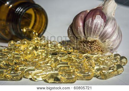Garlic oil capsules vitamins d pills
