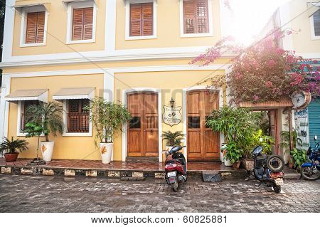 Guesthouse In Puducherry