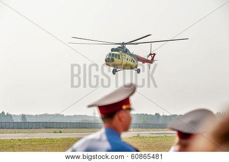 Mi 8 helicopter landing