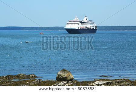 Holland America Cruise Ship Maasdam at Frenchman Bay in Bar Harbor, Maine