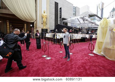 LOS ANGELES - MAR 2:  Atmosphere at the 86th Academy Awards at Dolby Theater, Hollywood & Highland on March 2, 2014 in Los Angeles, CA