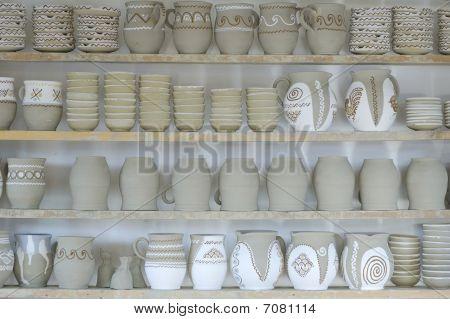 Row Pottery