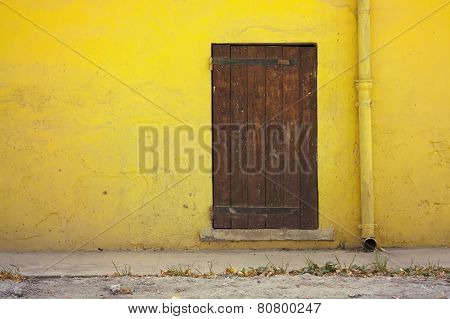 Yellow House Details