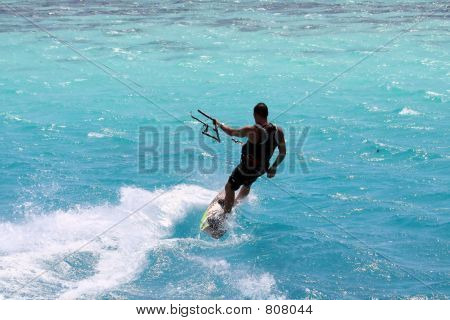 Kitesurfer empopada