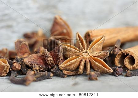 Anise, Cloves And Cinnamon Background